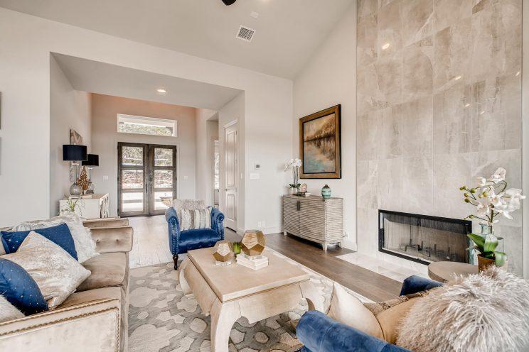 234 Majestic Bluff San Antonio-large-007-006-Living Room-1499x1000-72dpi