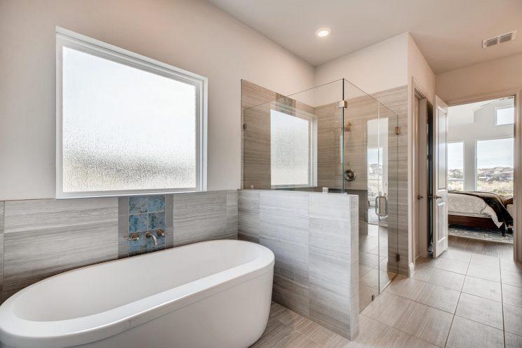 234 Majestic Bluff San Antonio-large-019-032-Master Bathroom-1500x1000-72dpi