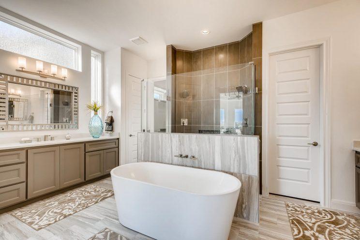 6310 Sevilla Way San Antonio-large-023-021-Master Bathroom-1499x1000-72dpi