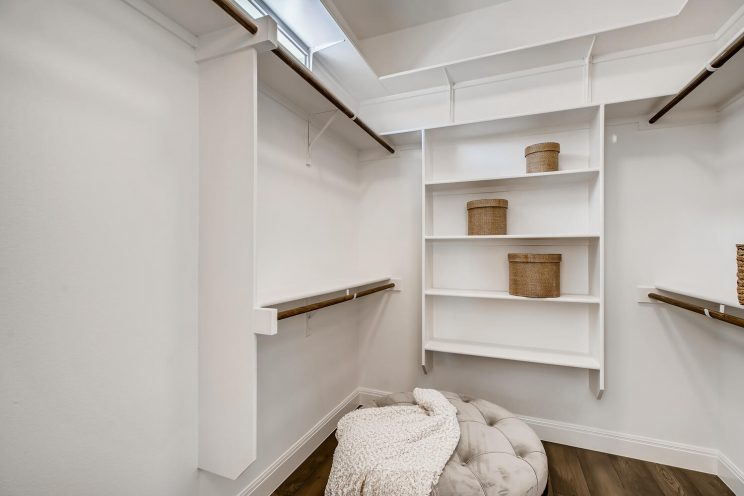 6310 Sevilla Way San Antonio-large-025-033-Master Bedroom Closet-1499x1000-72dpi