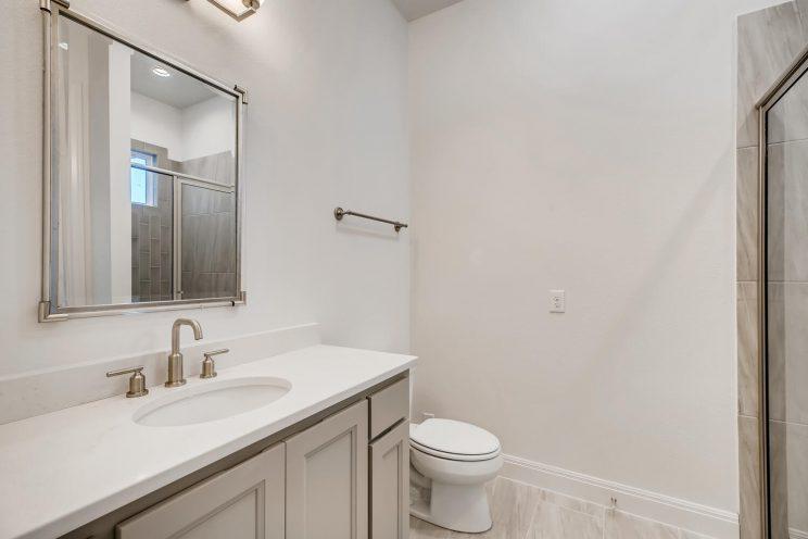 6310 Sevilla Way San Antonio-large-028-026-Bathroom-1500x1000-72dpi