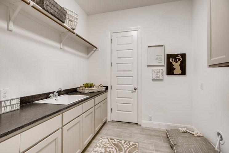 6310 Sevilla Way San Antonio-large-031-031-Laundry Room-1499x1000-72dpi