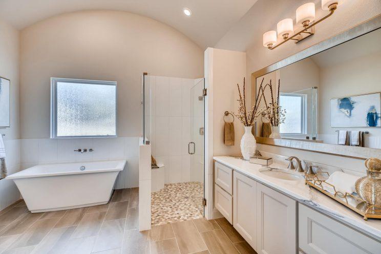 6323 Sevilla Circle San-large-020-026-Master Bathroom-1500x1000-72dpi
