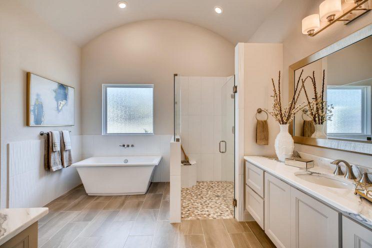 6323 Sevilla Circle San-large-023-011-Master Bathroom-1500x1000-72dpi