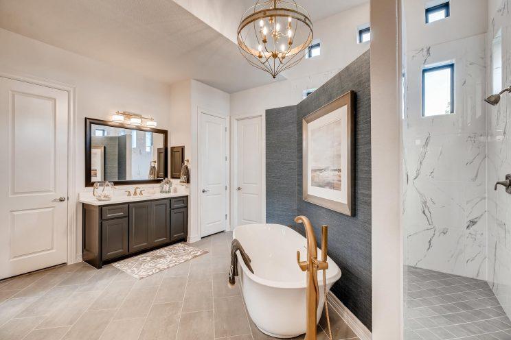 642 Winding Ravine San Antonio-large-023-020-Master Bathroom-1499x1000-72dpi