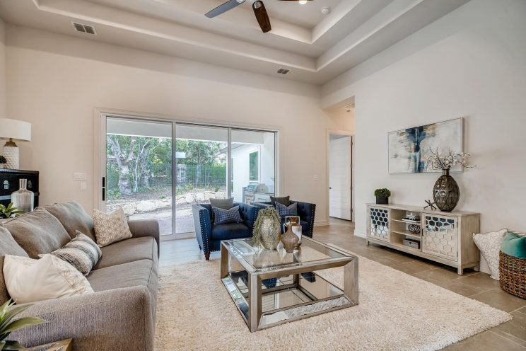 7118 Bluff Run San Antonio TX-large-005-006-Living Room-1499x1000-72dpi