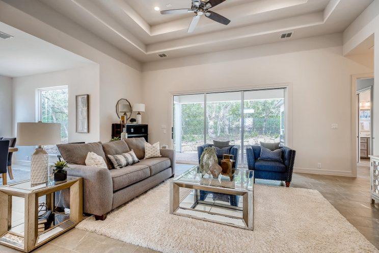 7118 Bluff Run San Antonio TX-large-006-024-Living Room-1499x1000-72dpi