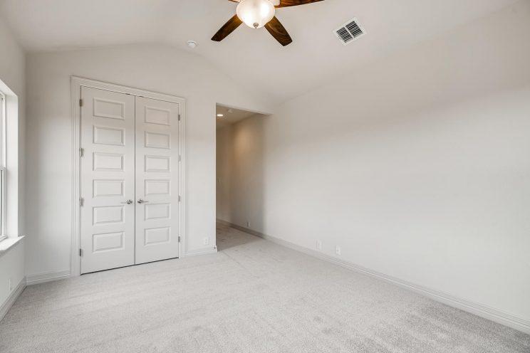 7118 Bluff Run San Antonio TX-large-029-025-2nd Floor Family Room-1500x1000-72dpi