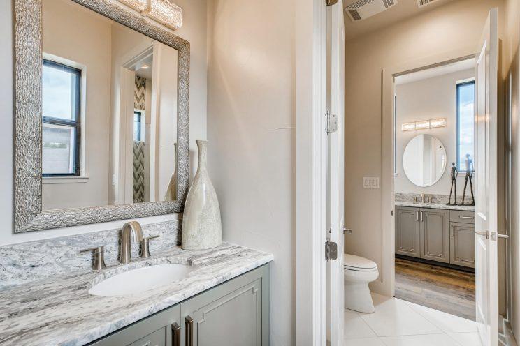 9710 Midsomer Place San-large-033-031-Jack and Jill Bathroom-1500x1000-72dpi